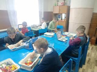 Соревнования по робототехнике среди учащихся начальных классов